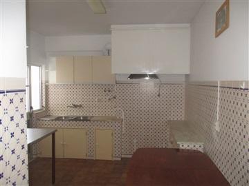 Apartamento T2 / Castelo Branco, Segurança Social