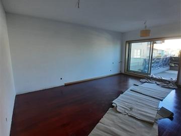 Apartamento T2 / Gondomar, Rio Tinto - Areosa