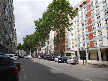 Apartamento T2 / Lisboa, À Av. Uruguai