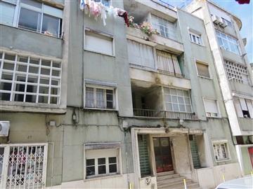 Apartamento T2 / Loures, Moscavide