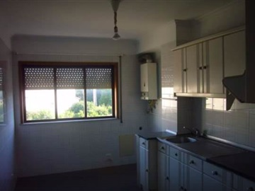Apartamento T2 / Oliveira do Bairro, Oiã