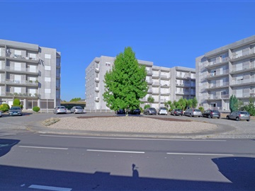 Apartamento T2 / Paços de Ferreira, Meixomil