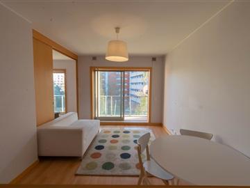 Apartamento T2 / Porto, Paranhos