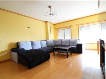 Apartamento T2 / Santa Maria da Feira, Cavaco /S.Bento