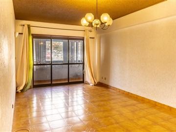 Apartamento T2 / Sintra, Massamá e Monte Abraão