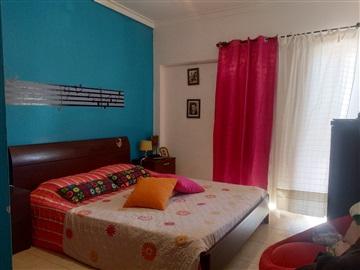 Apartamento T2 / Vila Franca de Xira, Arcena