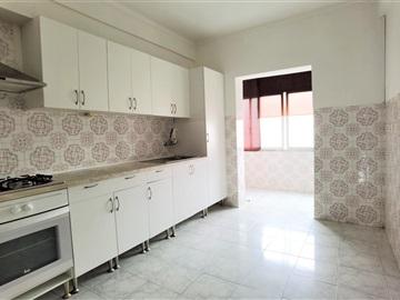 Apartamento T2 / Vila Franca de Xira, Castanheira do Ribatejo e Cachoeiras