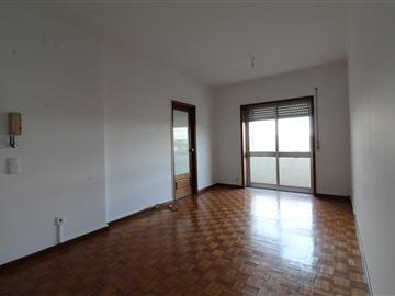 Apartamento T2 / Vila Nova de Gaia, Oliveira do Douro