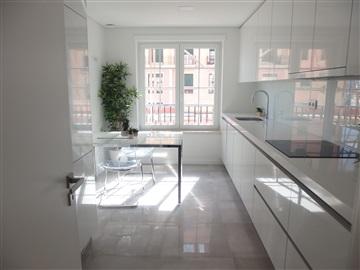 Apartamento T3 / Amadora, Neudel