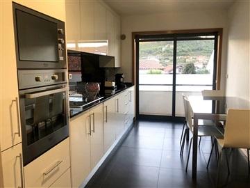 Apartamento T3 / Barcelos, Abade de Neiva