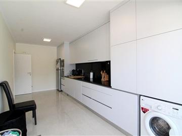 Apartamento T3 / Barcelos, Rio Covo (Santa Eugénia)