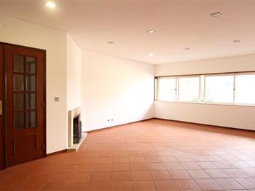 Apartamento T3 / Braga, Ferreiros