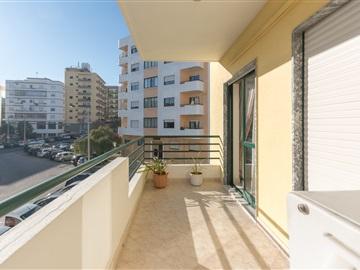 Apartamento T3 / Faro, Faro (Sé e São Pedro)