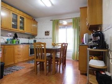 Apartamento T3 / Fundão, Telhado