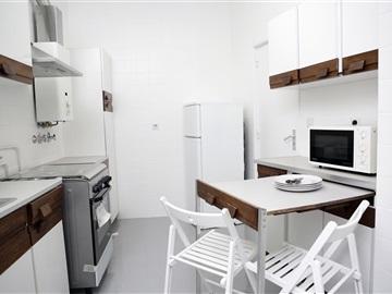 Apartamento T3 / Lisboa, São Domingos de Benfica