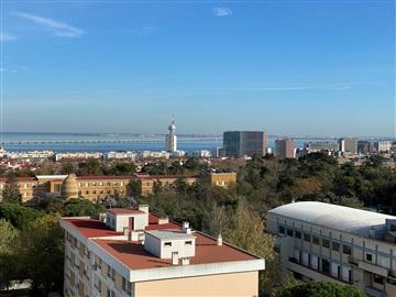 Apartamento T3 / Loures, Portela