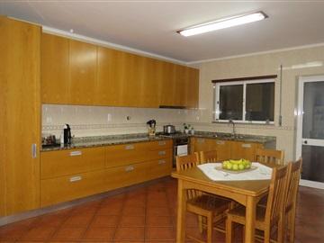 Apartamento T3 / Oliveira de Azeméis, Fajões
