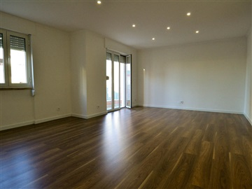 Apartamento T3 / Santarém, Marvila