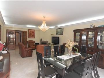 Apartamento T3 / Sintra, Massamá e Monte Abraão