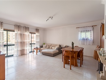 Apartamento T3 / Sintra, Vale Flores