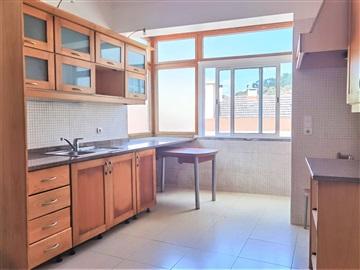 Apartamento T3 / Vila Franca de Xira, Castanheira do Ribatejo e Cachoeiras