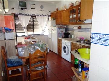 Apartamento T4 / Castelo Branco, Pires Marques