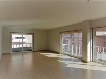 Apartamento T4 / Lisboa, Quinta das Camareiras