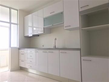 Apartamento T4 / Porto, Aviz