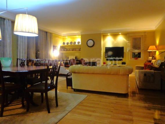 Apartamento T4 / Porto, Carvalhido