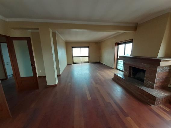 Apartamento T4 / Porto, Largo Valverde