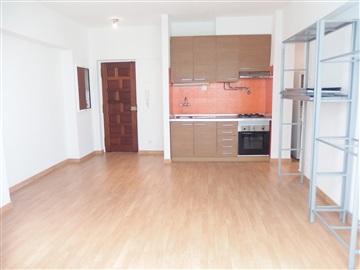 Apartamento/Piso T1 / Amadora, Reboleira, Águas Livres