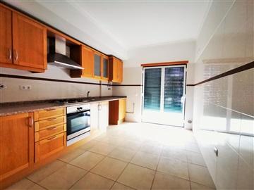 Apartamento/Piso T2 / Entroncamento, São João Baptista