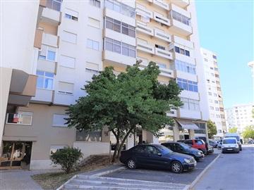 Apartamento/Piso T2 / Oeiras, Centro de Carnaxide