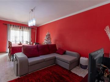 Apartamento/Piso T2 / Oliveira de Azeméis, Oliveira de Azeméis, Santiago de Riba-Ul, Ul, Macinhata da Seixa e Madail