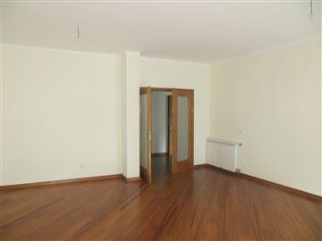 Apartamento/Piso T2 / Santo Tirso, Santo Tirso, Couto (Santa Cristina e São Miguel) e Burgães