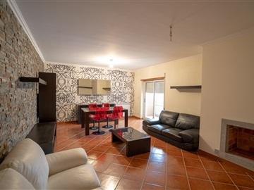 Apartamento/Piso T3 / Bragança, Sé, Santa Maria e Meixedo