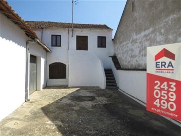 Apartment Floor Dwelling T1 / Rio Maior, Azinheira