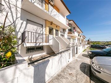 Apartment Floor Dwelling T2 / Évora, Bairro Frei Aleixo