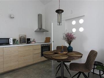 Apartment Floor Dwelling T2 / Vila Nova de Gaia, Avenida República