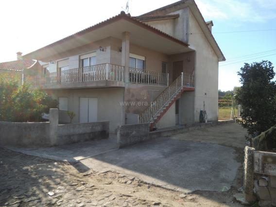 Apartment Floor Dwelling T3 / Barcelos, Perelhal