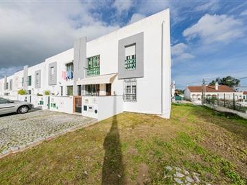 Apartment Floor Dwelling T3 / Évora, Bairro do Granito