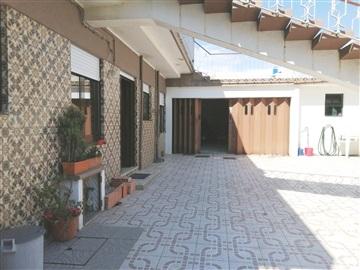 Apartment Floor Dwelling T3 / Matosinhos, Cruz