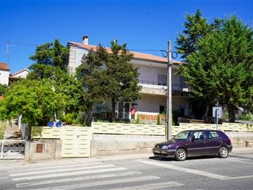 Apartment Floor Dwelling T4 / Bragança, Sé, Santa Maria e Meixedo