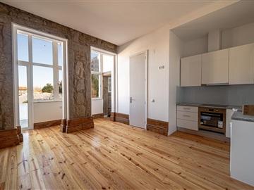 Apartment Studio / Porto, Constituição