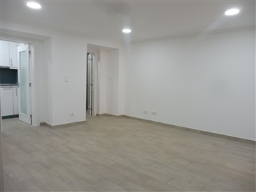 Apartment T1 / Lisboa, Campolide