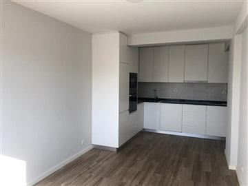 Apartment T1 / Oeiras, J.Pimenta