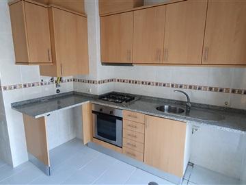 Apartment T2 / Albergaria-a-Velha, Assilhó