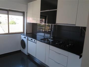 Apartment T2 / Almada, Romeira