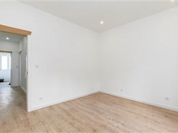 Apartment T2 / Almada, Serrado
