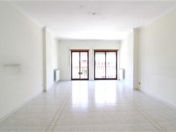 Apartment T2 / Amadora, Casal da Mira